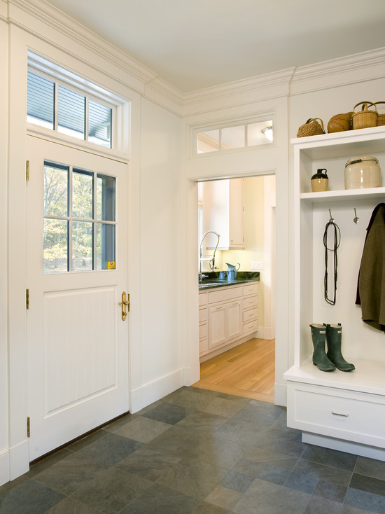 Forest View Residence Mudroom